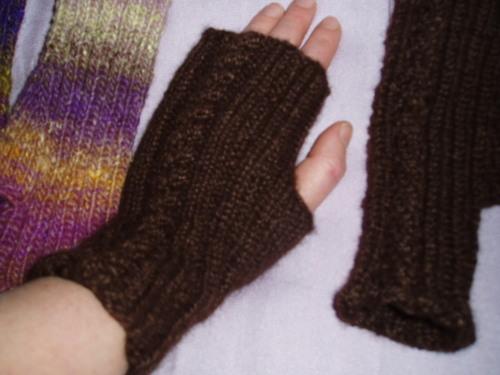 Wristwarmers made in Drops Silke-Alpacka